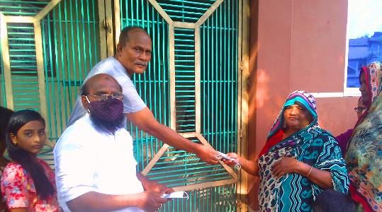রাজশাহীতে মুক্তি সংঘের উদ্দ্যোগে করোনা  সামগ্রী বিতরন